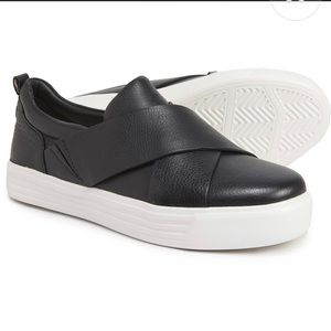 Earth Rosewood Clary Black Leather Sneakers, 8.5